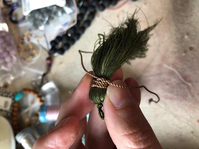 DIY: How to make a mala - tie tassel tie single knot